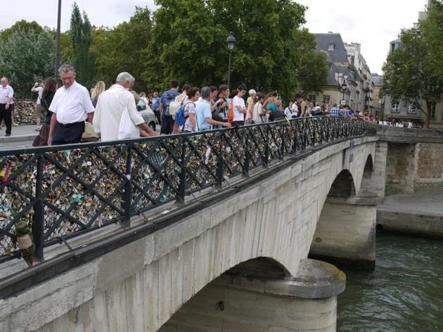セーヌ川に架かっている橋