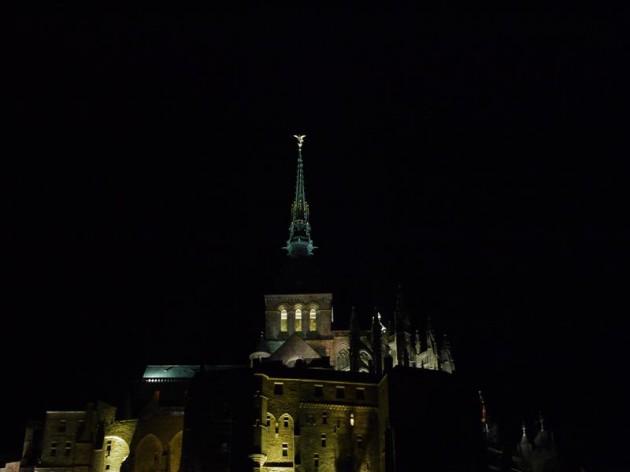 夜のモンサンミッシェル